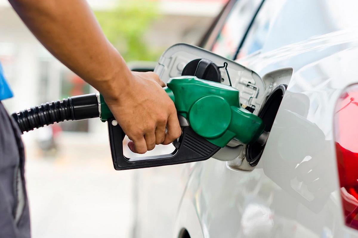 preco gasolina despenca mas consumidor ainda paga caro